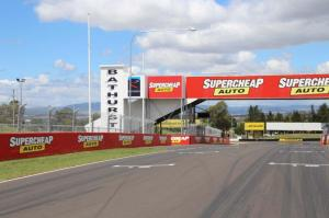 Go to Mount Panorama Circuit, Bathurst NSW