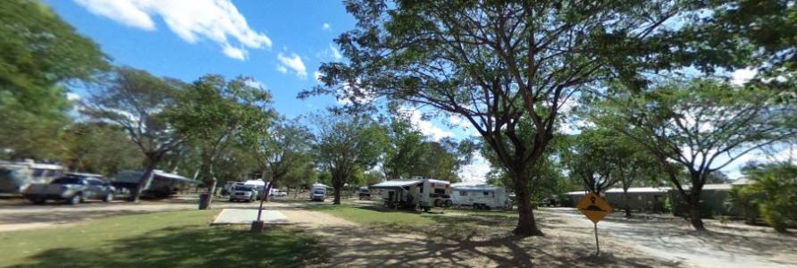 Aussie Outback Oasis Cabin and Van Village