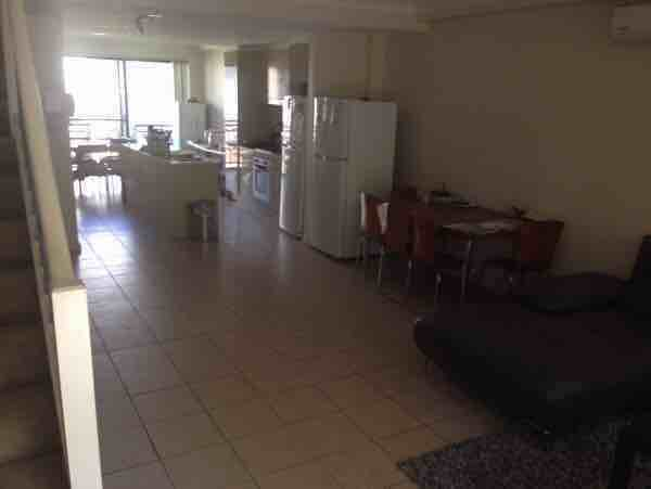 悉尼Parramatta   4房4卫Townhouse整层两房带独立卫浴仅租单人