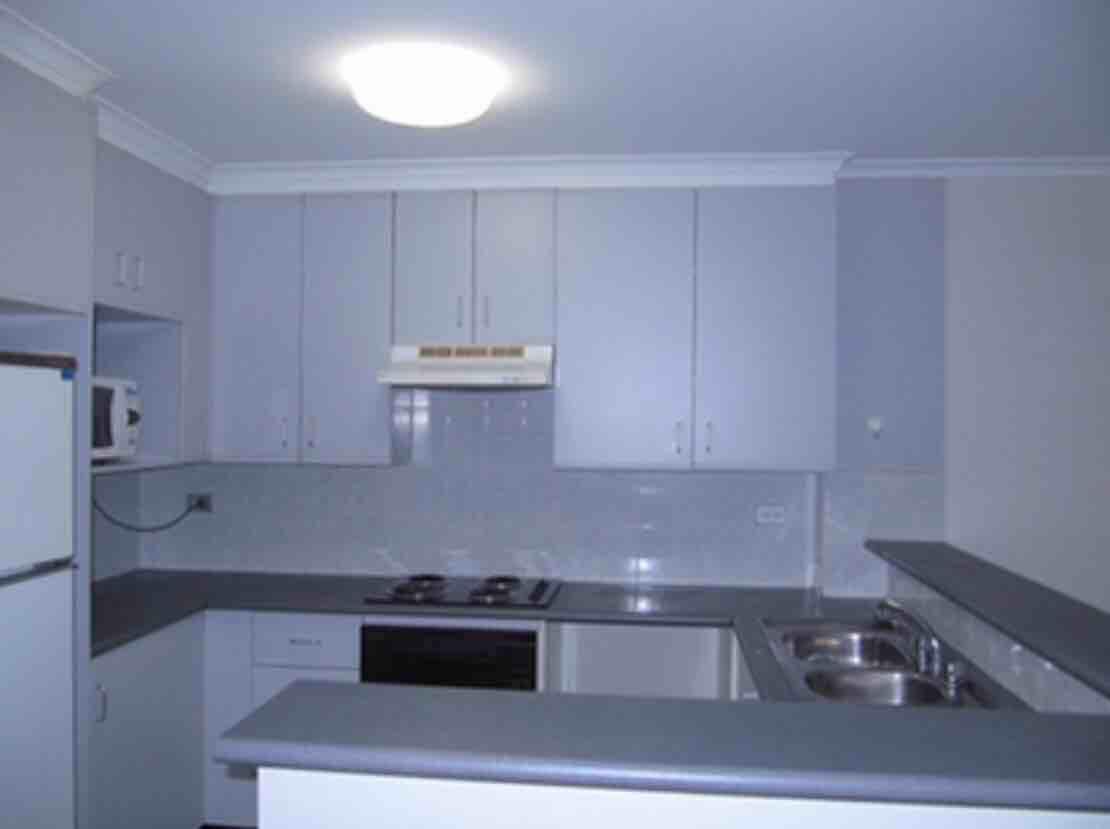 秒进UNSW,2房2厅2卫高级公寓整租,签约半年即可。$910。