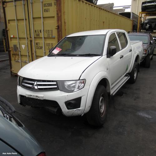 Mitsubishi 2009 ~ 2015 Triton