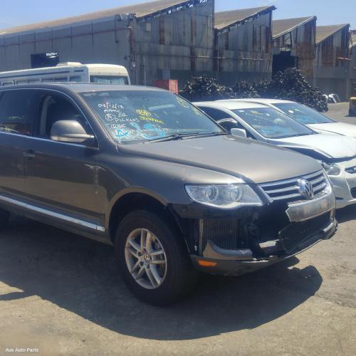 Volkswagen 2003 ~ 2011 Touareg