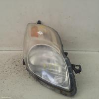 Toyota yarisfits  used yaris | right headlamp photo