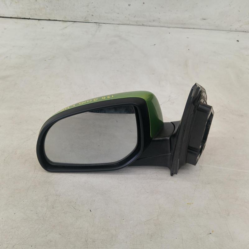 left door mirror