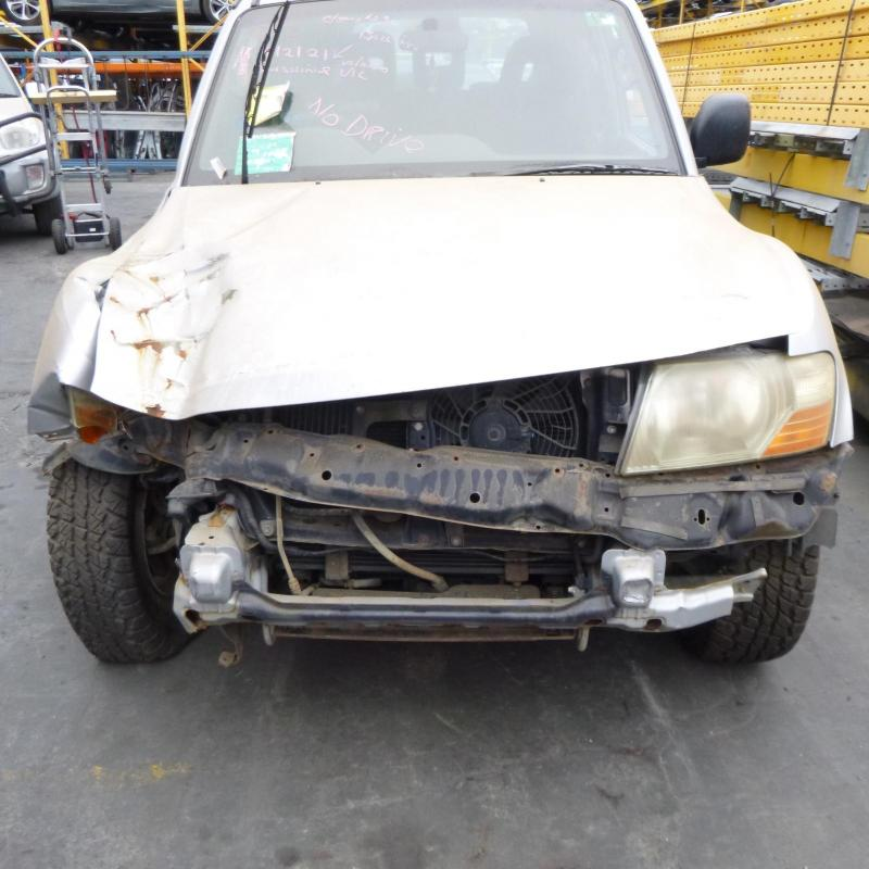 Mitsubishi 2000 ~ 2006 Pajero