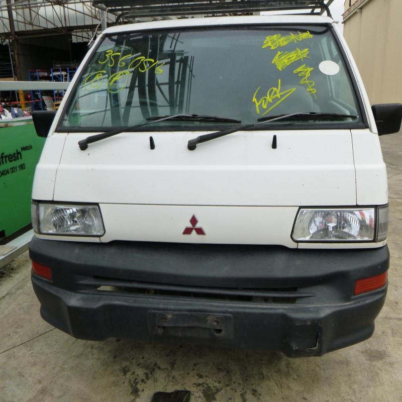 Mitsubishi 1986 ~ 2013 L300