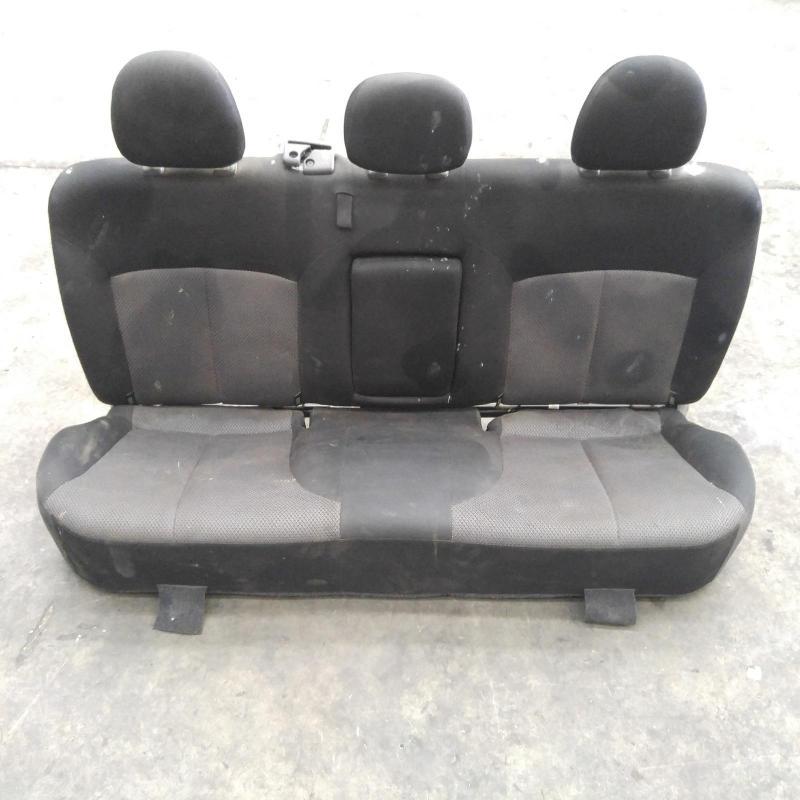 seat 2nd/rear seat