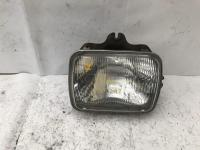 Toyota hiluxfits 1997,1998,1999,2000,2001,2002,2003,2004,2005 used hilux | right headlamp photo