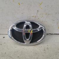 Toyota yarisfits  used yaris | badge photo