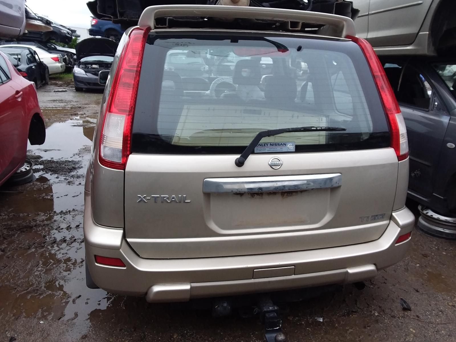 View Auto part Right Front Door Nissan Xtrail 2002