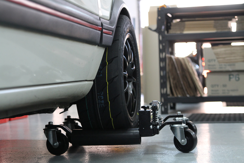 Toyo R888R rear view