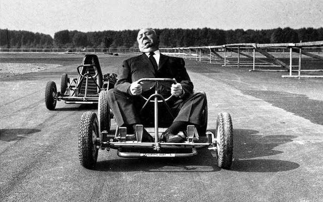 Alfred Hitchcock riding a go-kart, 1960 source:www.vintag.es
