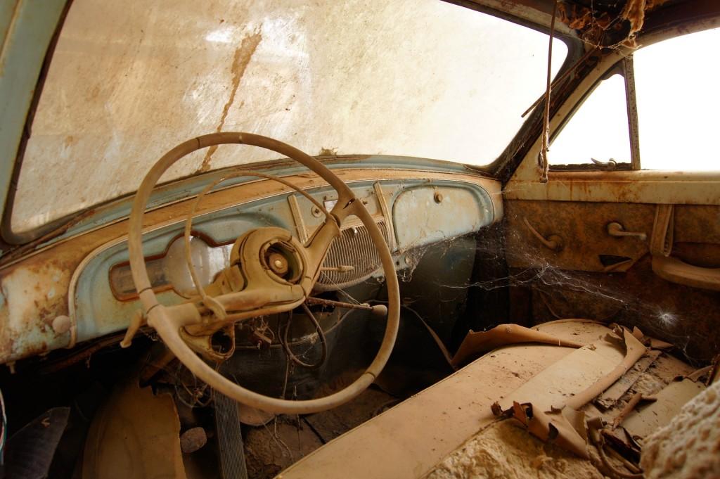 car-1268390_1920