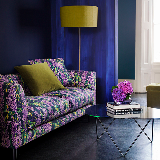 Modern-living-room-with-floral-sofa-housetohome.co.uk