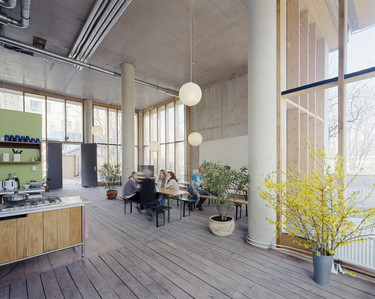 Communal spaces throughout baugruppe Spreefeld include playrooms, office space, terraces and a teenager club. Andrea Kroth, Author provided