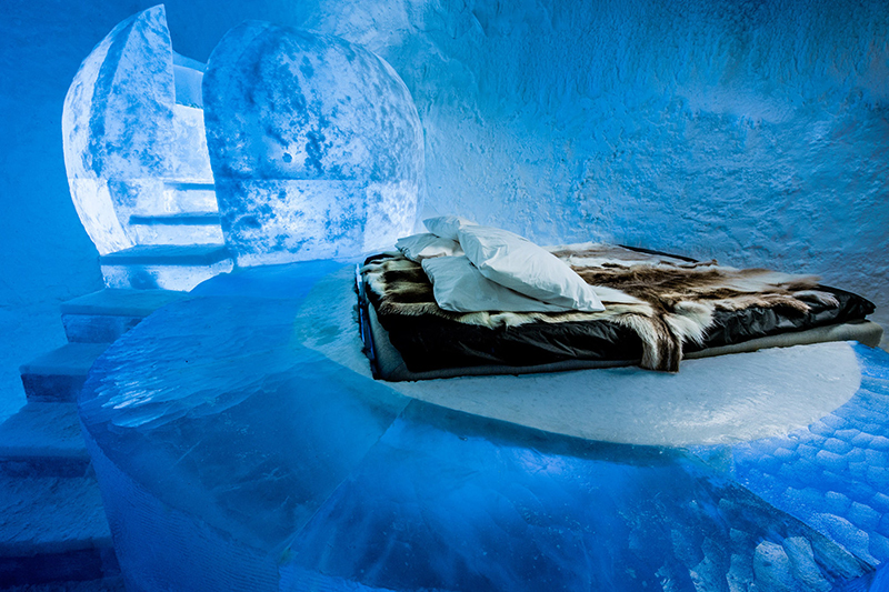 Deluxe Suite – Wishful Thinking – designed by Marjolein Vonk & Maurizio Perron. Photography by Asaf Kliger | ICEHOTEL.