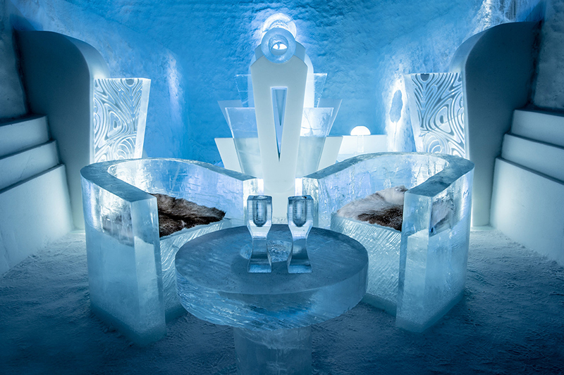 Deluxe Suite – Once Upon A Time – designed by Luc Voisin & Mathieu Brison. Photography by Asaf Kliger | ICEHOTEL.