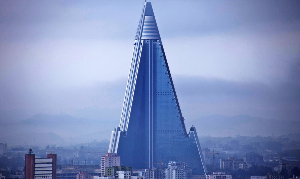 Ryugyong-hotel-of-doom-6-1020x610