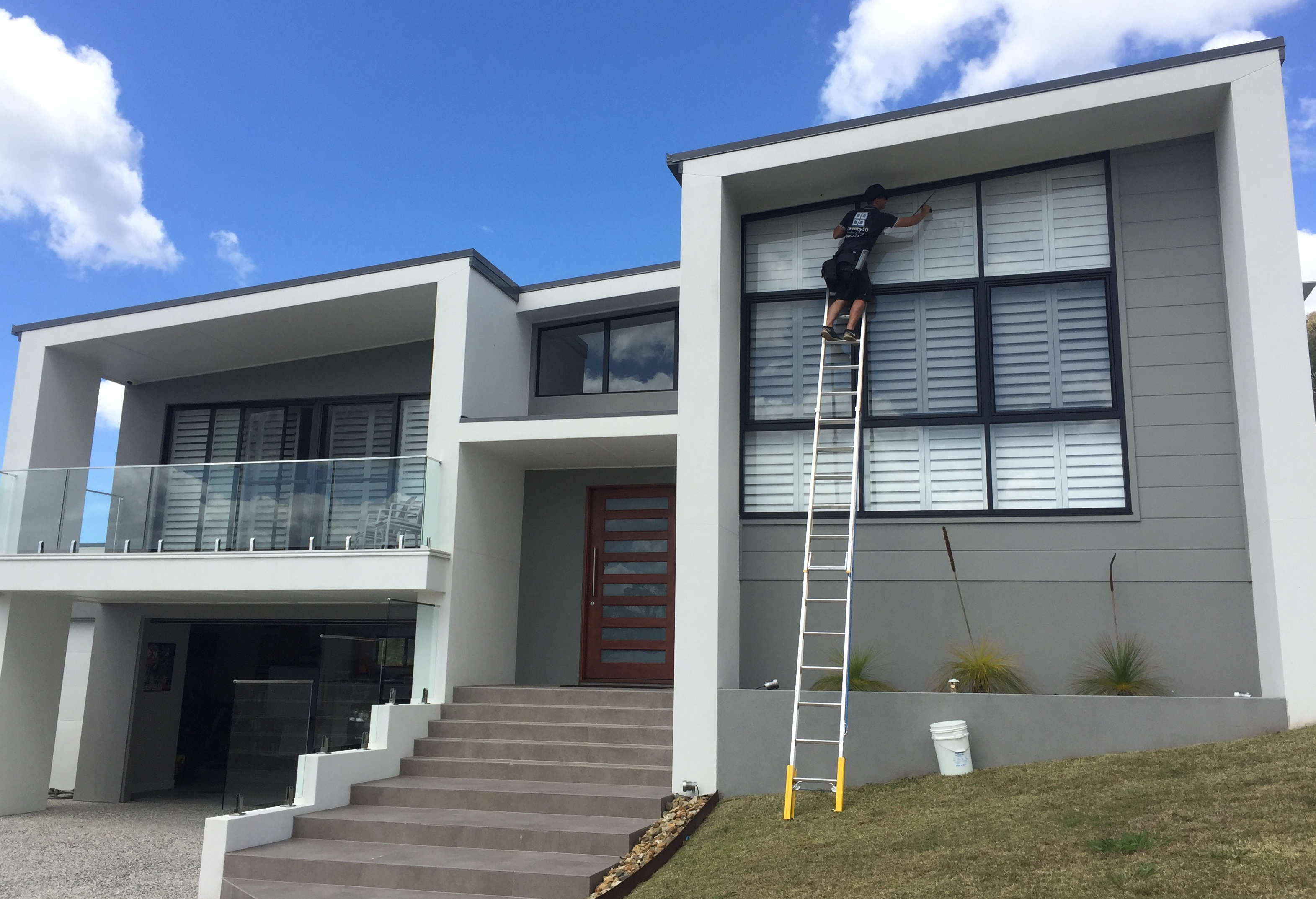 Window cleaning: How clean windows can increase or decrease your property's value