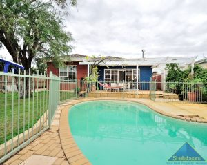 Best of Both Worlds!!- LEASED INVESTMENT. gallery