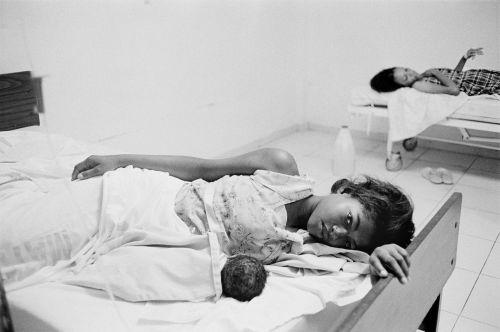 A patient with her newborn baby at Hospital Juan Pablo Pina in San Cristóba, Dominican Republic. Source: Alice Proujanksky Photography