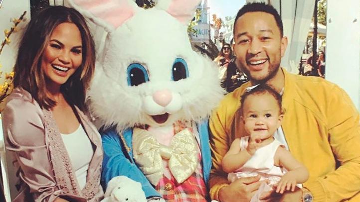 Chrissy-Teigens-daughter-met-Easter-bunny-722x406