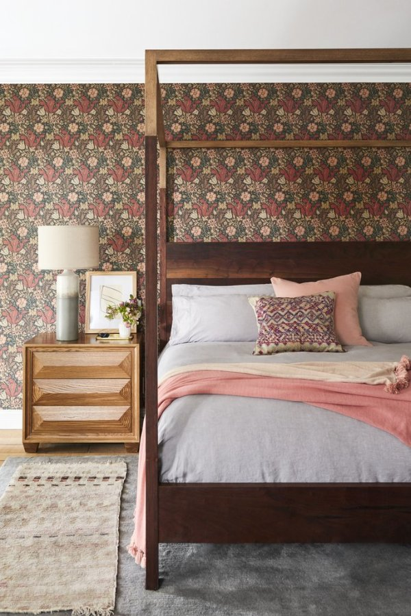 Hils is a massive fan of wallpaper. Image: Better Homes & Gardens / Justin Coit