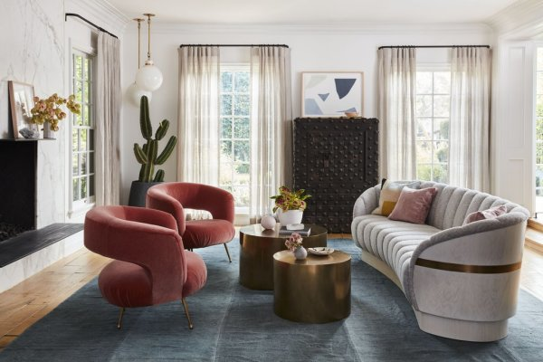 Swooning over those pink chairs. Image: Better Homes & Gardens / Justin Coit