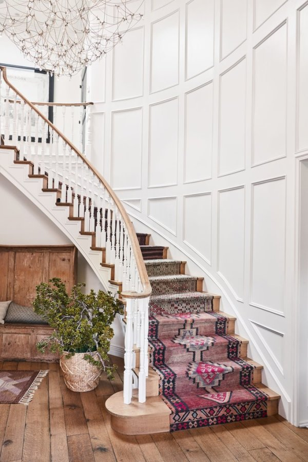 That staircase is BANG! Image: Better Homes & Gardens / Justin Coit