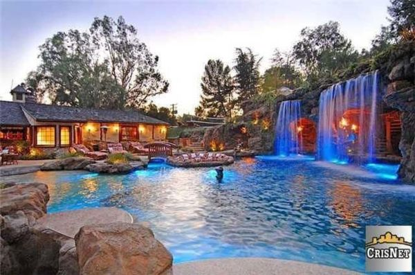 Of course Drake's pool has waterfalls.  Image: Trulia