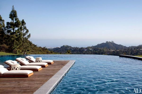 Gisele Bundchen and hubby Tom Brady's LA pool hangs. Image: Architectural Digest