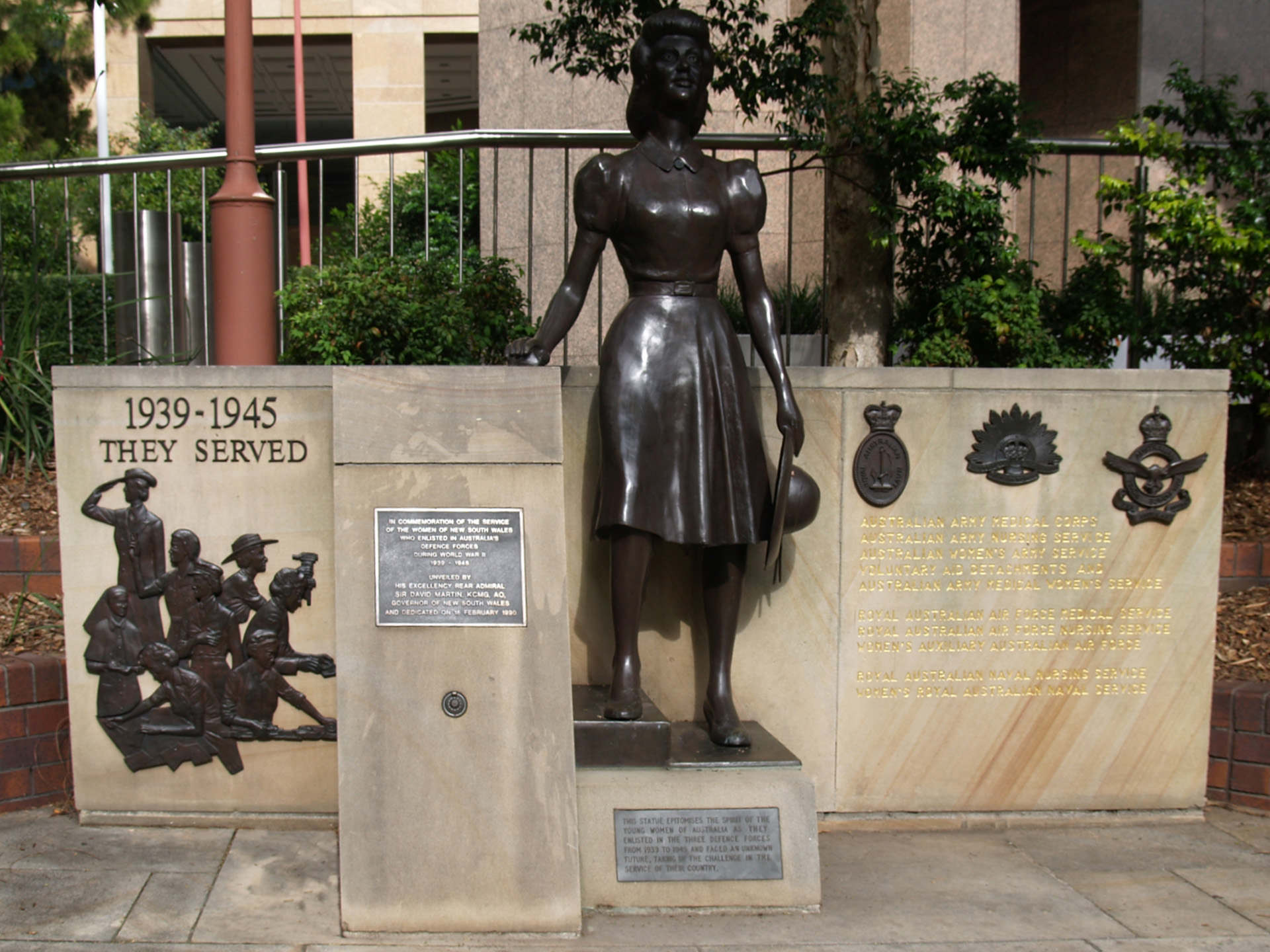 New South Wales Second World War Women's Services War Memorial. Provided by Peter Levarre-Waters, 2013.