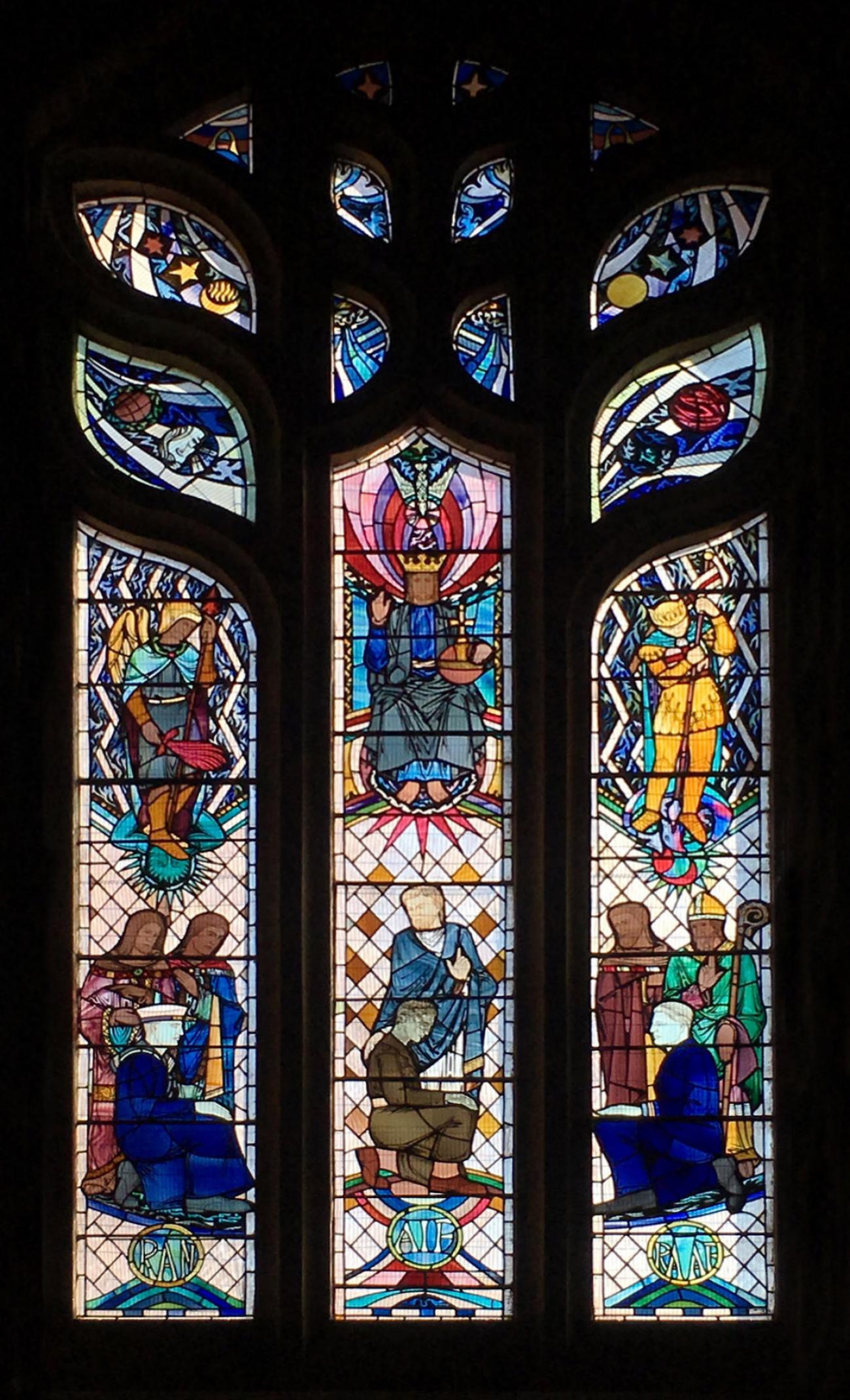 Saint George Anglican Church Memorial Windows, Parkes. Photograph provided by Cheryl Thompson, 2020.