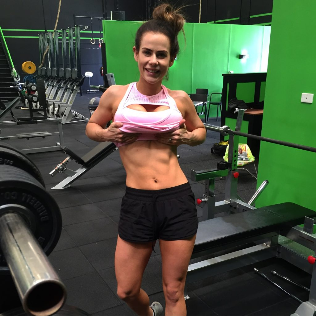 Sophie Guidolin postpartum in the gym showing off her progress