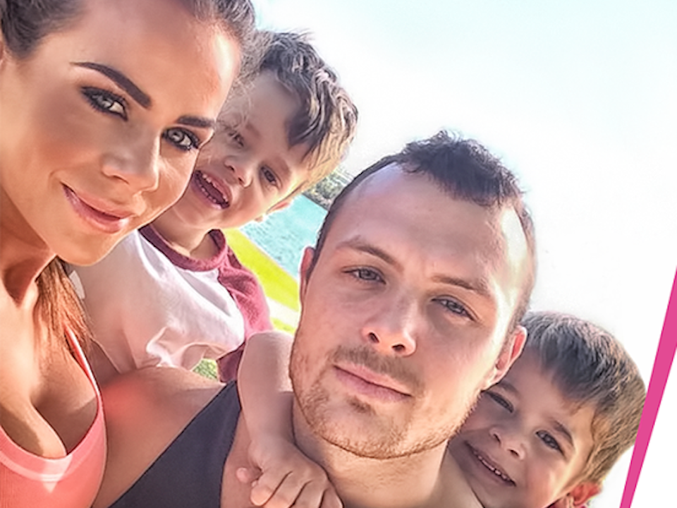 Sophie Guidolin with family taking a selfie