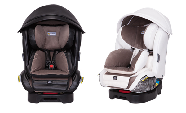 Twin baby car seats in black and white