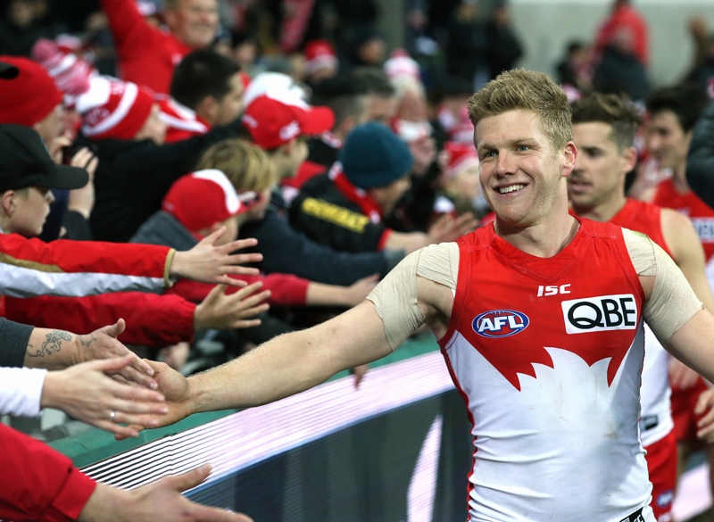 Dan Hannebery & fans after the game