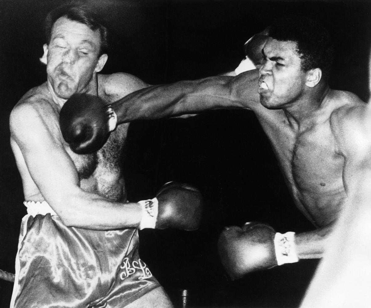 Muhammad_Ali_fights_Brian_London_on_August_6_1966