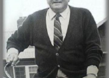 Bud Russell – legendary pro at Barwon Heads