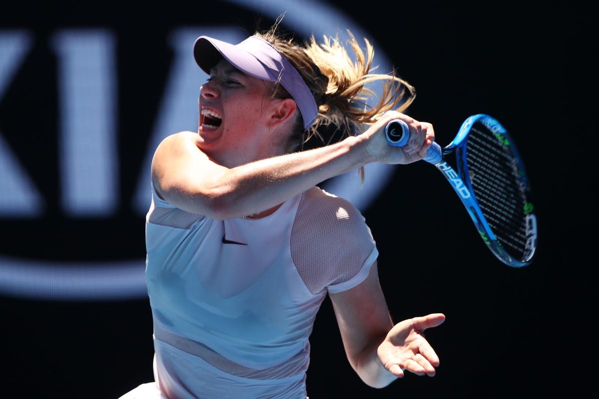 Federer wins against Bedene in Melbourne