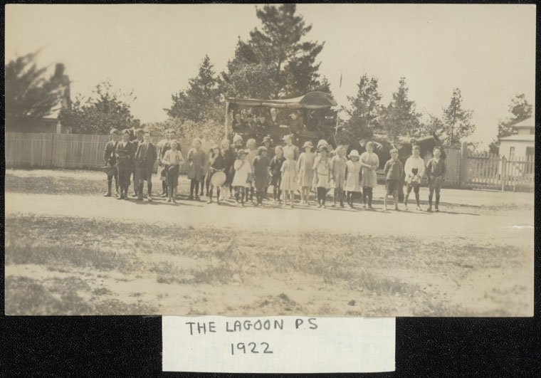 Lagoon The Public School - About 20 pupils were brought daily from Campbell River to the Lagoon Public School by coach