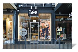 aab301fb 2006. Lee opens it's first Australian Flagship store ...