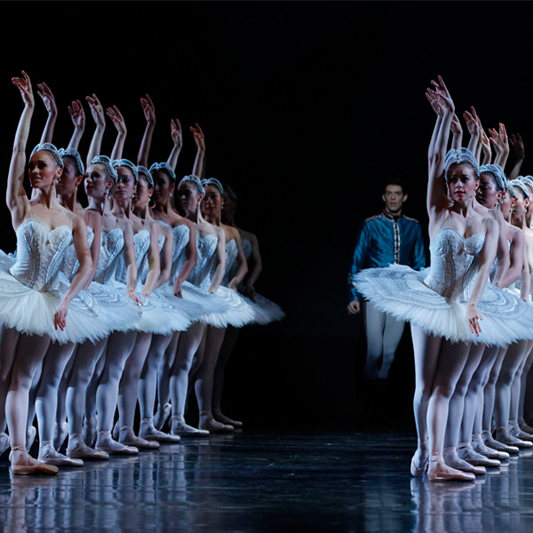 Andrew Killian and Artists of The Australian Ballet in Stephen Baynes' Swan Lake. Photography Jeff Busby