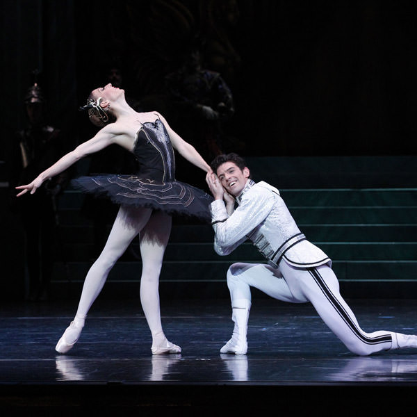 Lana Jones as Odile and Andrew Killian as Siegfried in Stephen Baynes' Swan Lake. Photography Jeff Busby