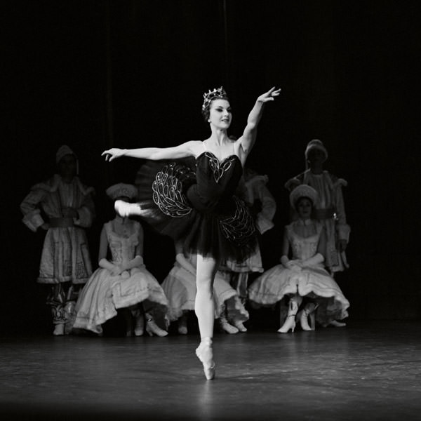 Marilyn Jones as Odile in Peggy van Praagh's Swan Lake. Photography The Australian Ballet