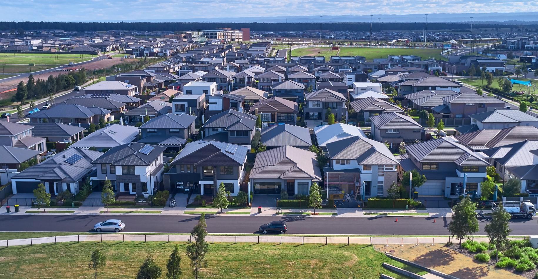 Hasta 40,000 hogares australianos para obtener almacenamiento solar + batería en un acuerdo importante entre Tesla, Stockland y Natural Solar