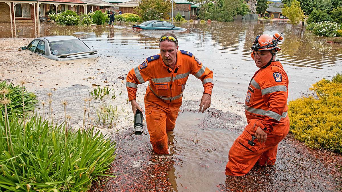 SES Operational Volunteers helping during a flood