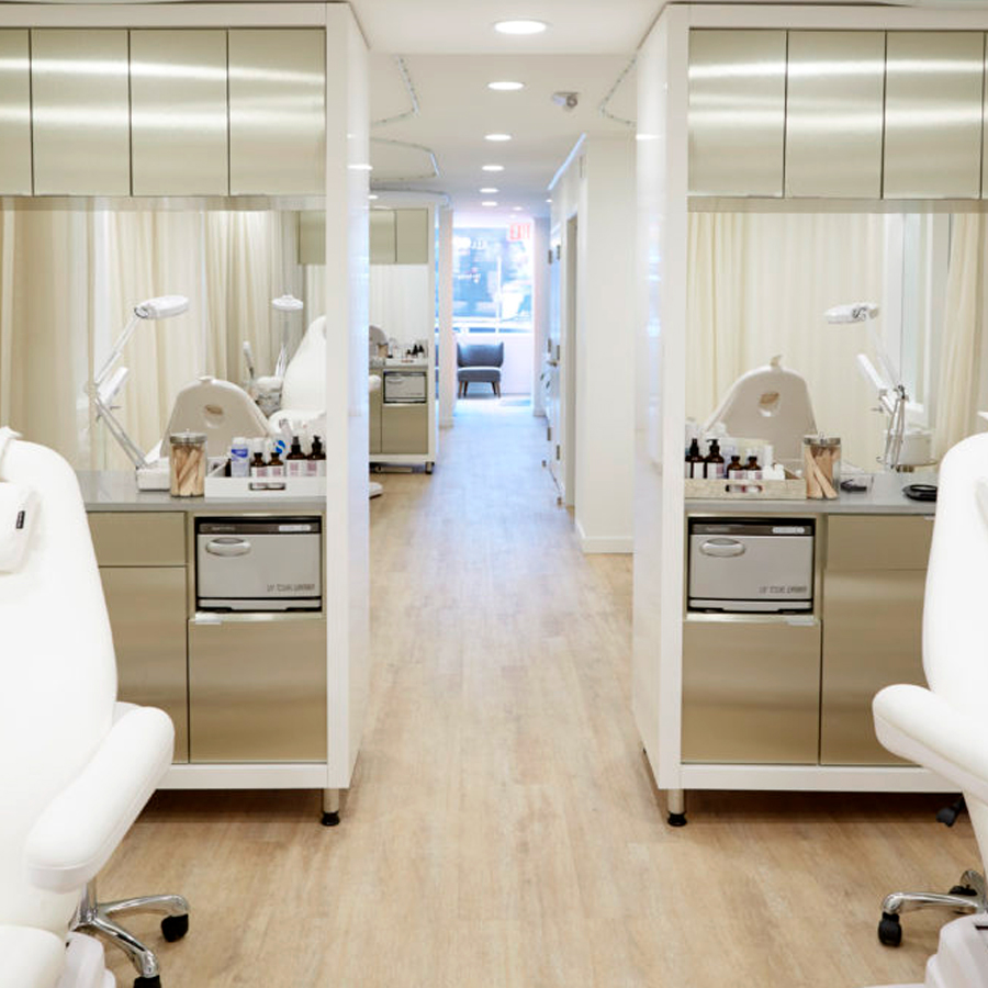 The Google Of Facials: New York's Silver Mirror