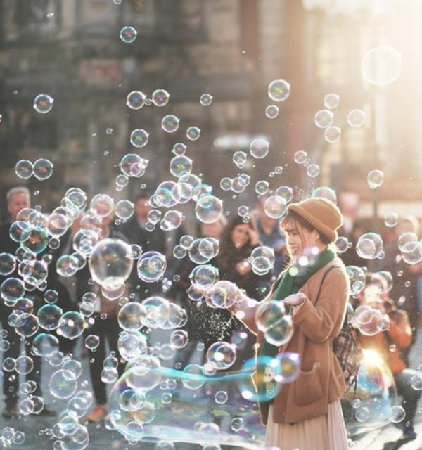 Bubble woman unsplash