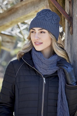 WOMENS CABLE KNIT BEANIE